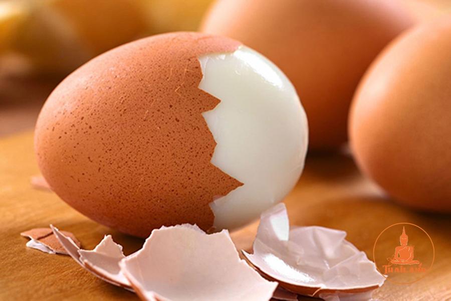 Làm tan máu bầm bằng trứng gà