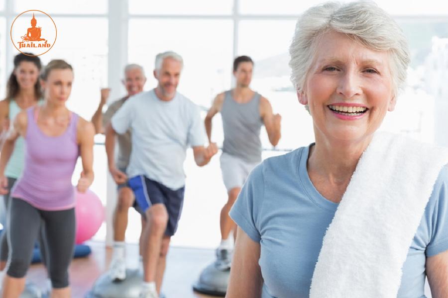 Người bị loãng xương nên tập luyện thể dục thể thao