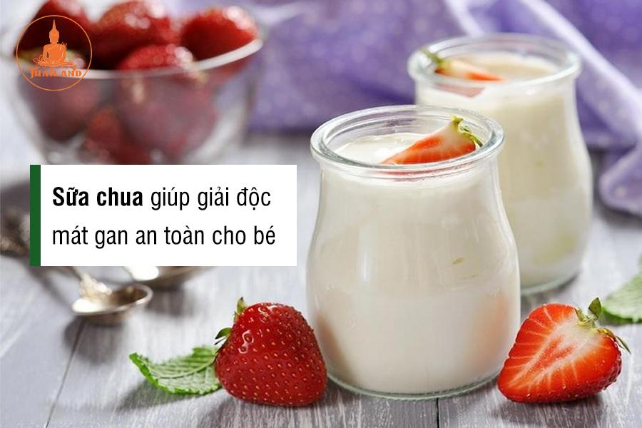 Sữa chua giúp giải độc mát gan an toàn cho bé