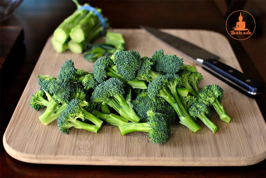Rối loạn nội tiết tố nữ nên ăn súp lơ xanh